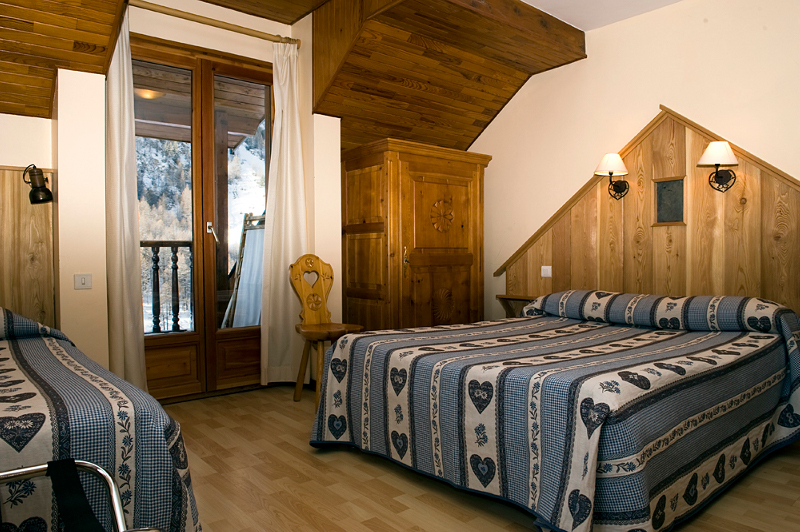 hotel  spa cascade ceillac queyras hautes-alpes montagne ski randonnée